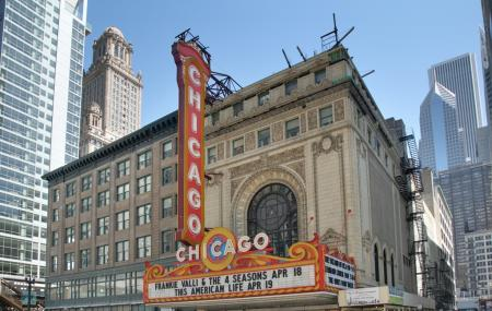 Chicago Theatre Image