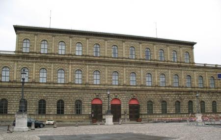 Residenz Munchen Image