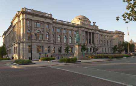 Milwaukee Public Library Image