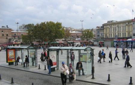 Eminonu Square Image
