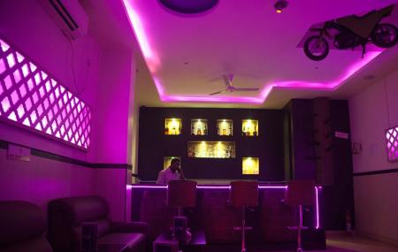 Pink Fly Lounge Image