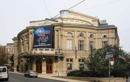 Raimund Theater Image
