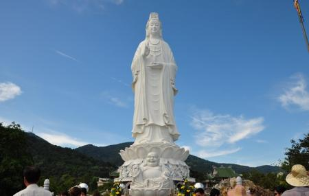 Lady Buddha And Linh Ung Pagoda Image