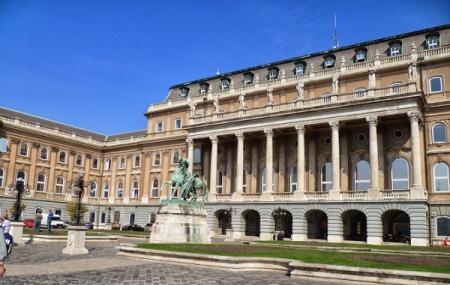 Budapest History Museum Image