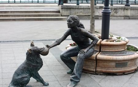 Girl With Her Dog Statue Image