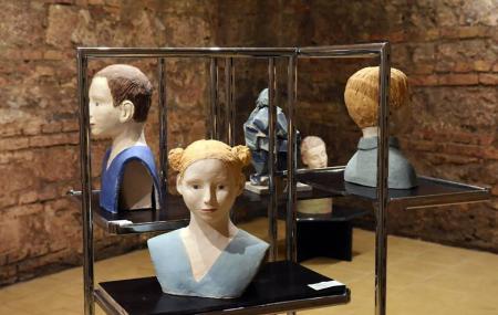 Titok Galeria Secret Gallery Image