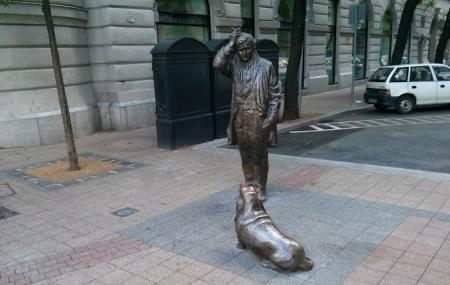 Columbo Statue Image