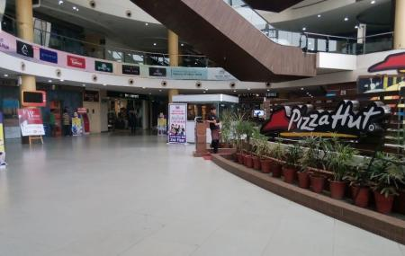 Crystal Palm Mall Image