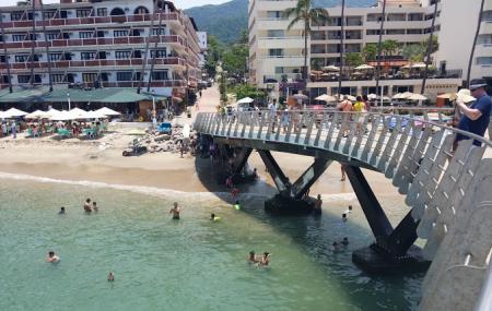 Playa Los Muertos Pier Image