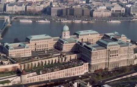 Buda Castle Image
