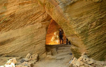 Naida Caves Image