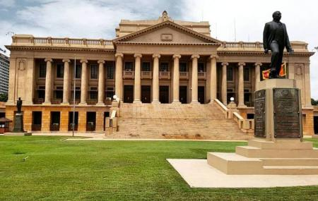 Old Parliament Building Image