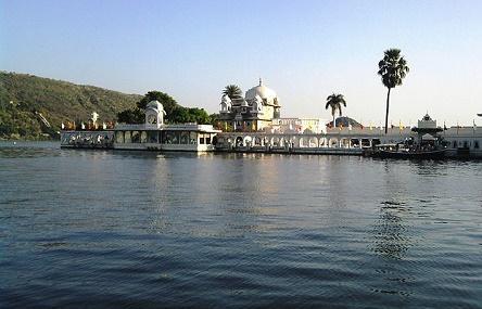 Lake Pichola Image