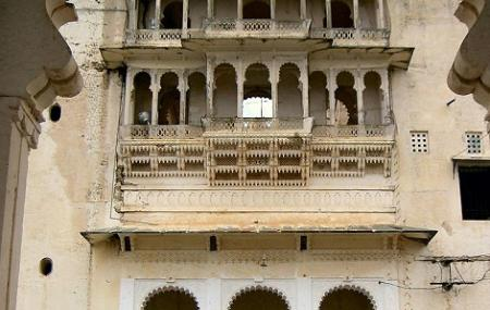 Monsoon Palace Image