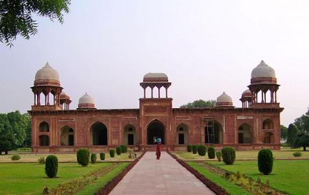 Tomb Of Mariam Zamani Image