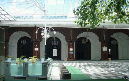 Jummah Mosque Image