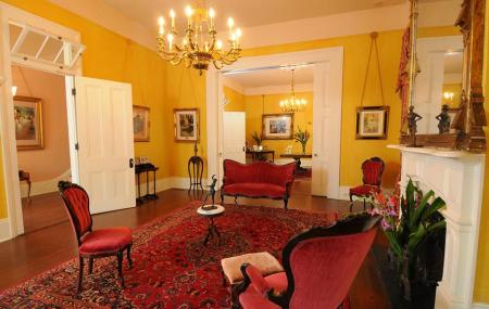 Degas House Image