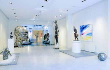 Art Thema Gallery Image
