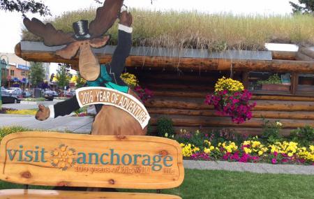 Anchorage Log Cabin Visitor Information Center Image