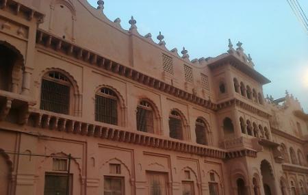 Shaukat Mahal Image