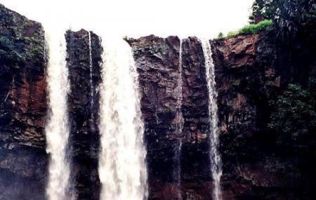 Kapil Dhara Waterfall Image