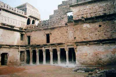 Chanderi Fort Image