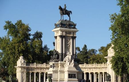 Monumento A Alfonso Xii Image