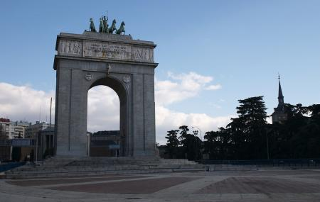 Arco De La Victoria Image