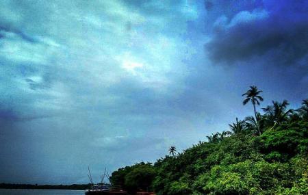 Divar Island Image