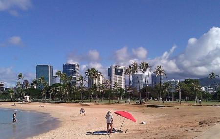 Ala Moana Beach Park Image