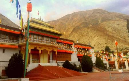 Samstanling Monastery Image