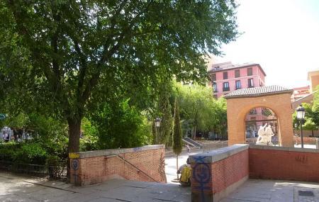 Plaza Dos De Mayo Image