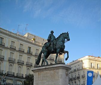 Estatua Ecuestre De Carlos I I I Image