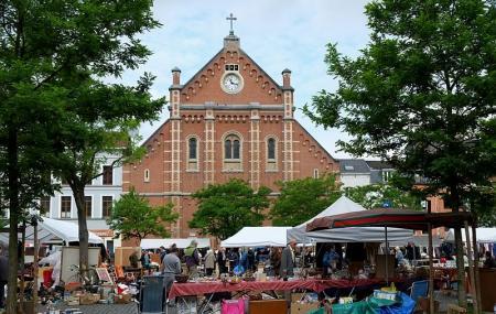 Marolles Flea Market Image