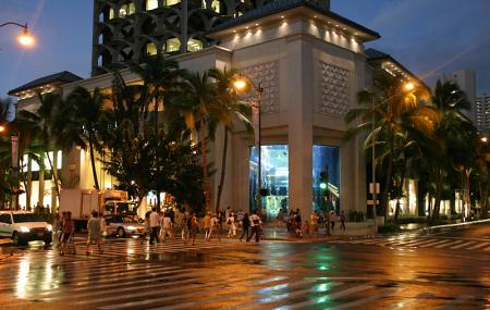 Royal Hawaiian Center Image