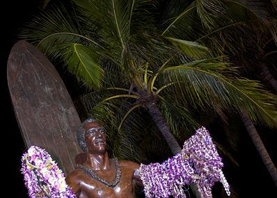 Duke Kahanamoku Statue Image