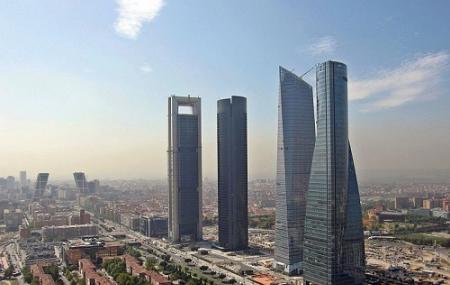 Cuatro Torres Business Area Image