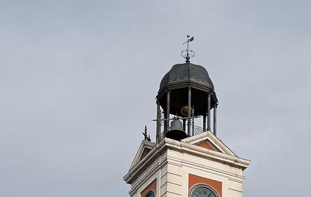 Reloj De La Comunidad De Madrid Image