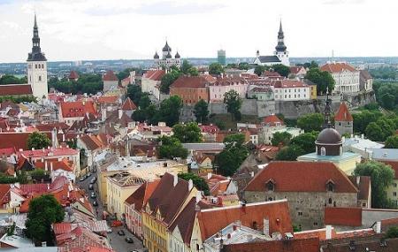 Tallinn Old Town Image