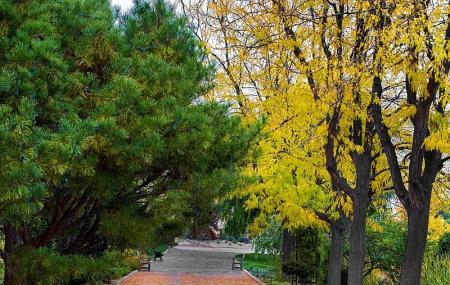 Idaho Botanical Garden Image
