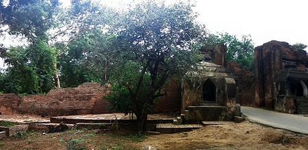 Tharabar Gate Image