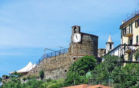 Castello Di Riomaggiore Image