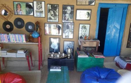 Lansdowne Trip Travel Cafe Image