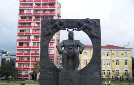 Ilia Chavchavadze Monument Image