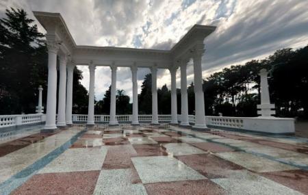 Colonnades Image