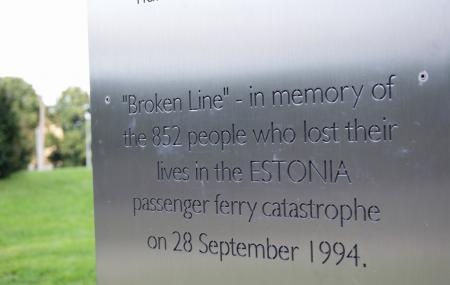 The Broken Line Monument Image