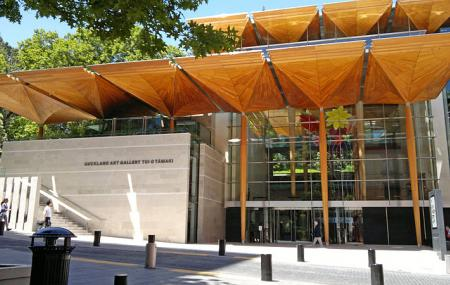 Auckland Art Gallery Image