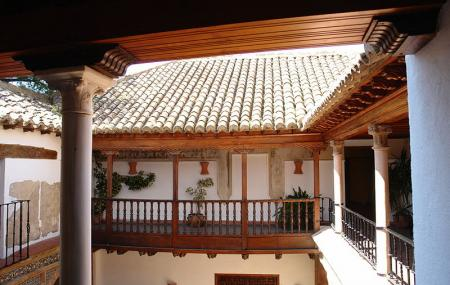Palacio De Mondragon Image