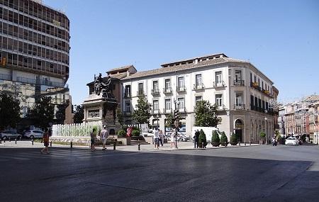 Plaza Isabel La Catolica Image