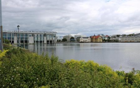 Lake Tjornin Image